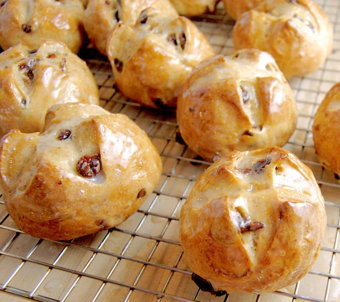 hot cross buns10a