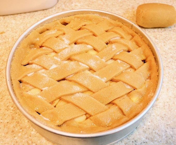 an oven ready dutch apple tart