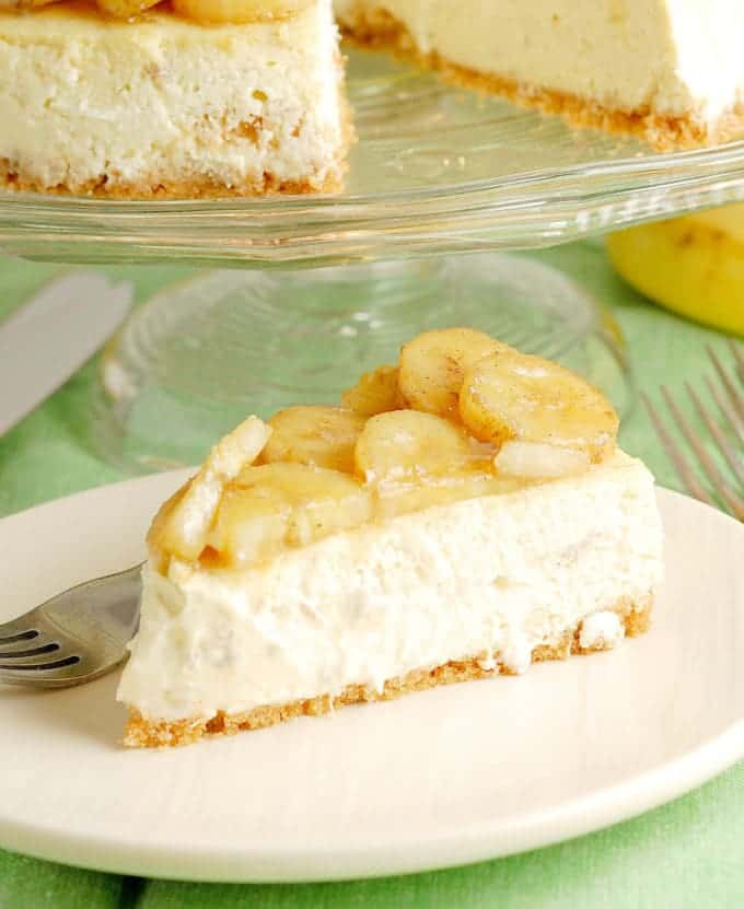 banana cheesecake with roasted bananas