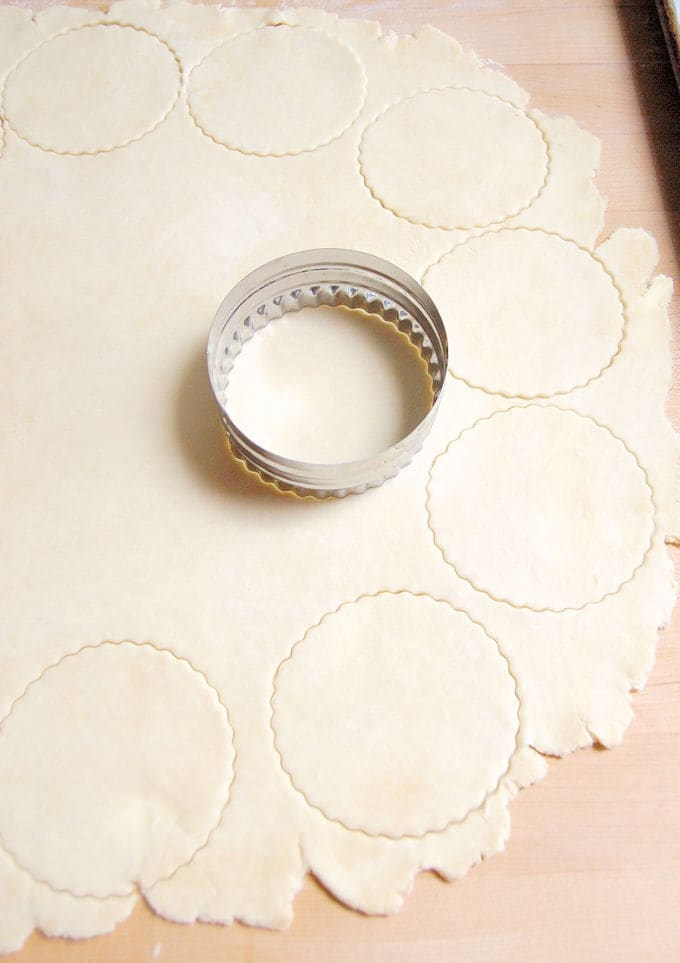 cutting dough rounds