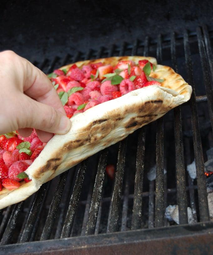 grilled dessert pizza 3a