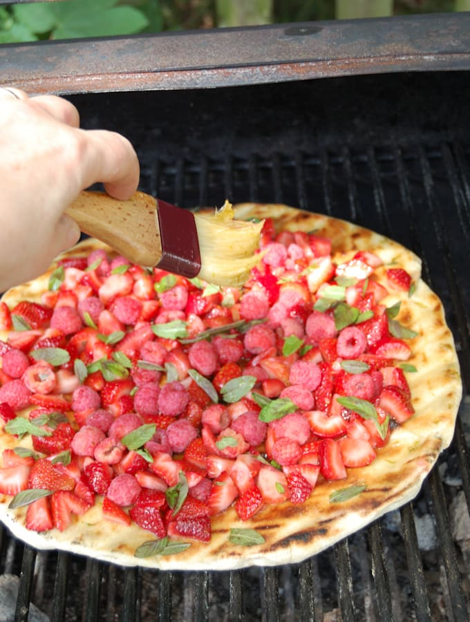 grilled dessert pizza 4a
