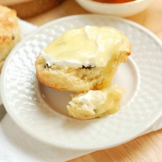 raisin scones 12a