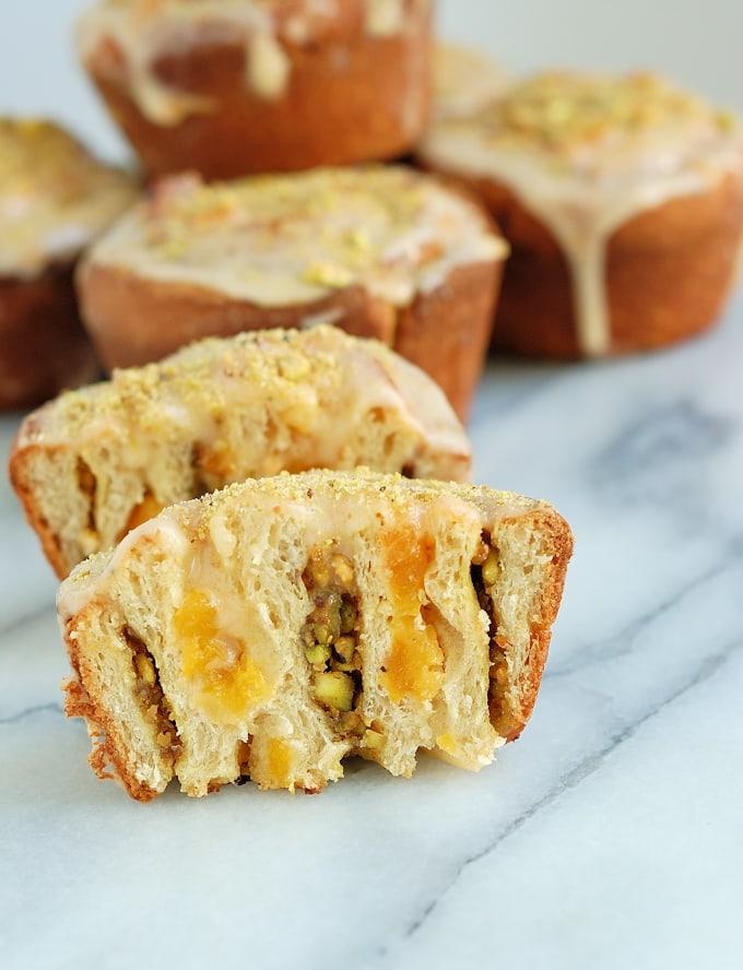 Apricot & Pistachio Buns #Breadbakers
