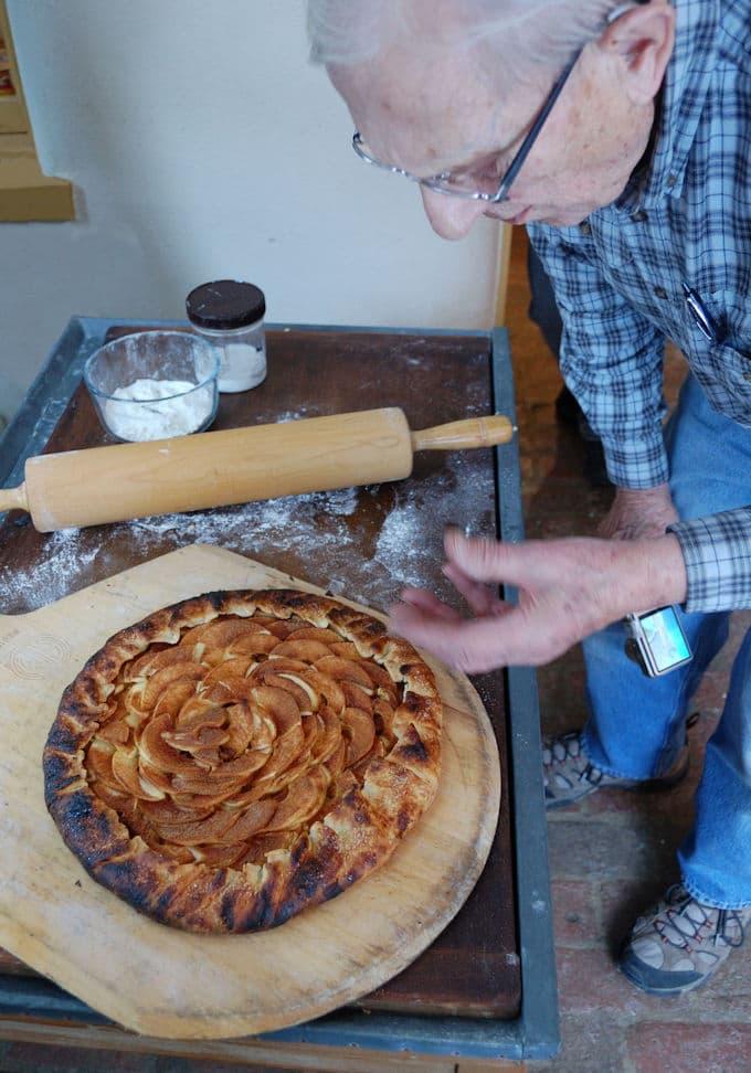 fragrant, fresh baked apple cinnamon galette