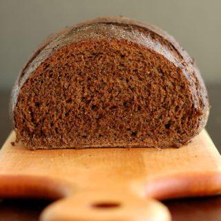 Sourdough Pumpernickel Bread – The Perfect Sandwich Loaf