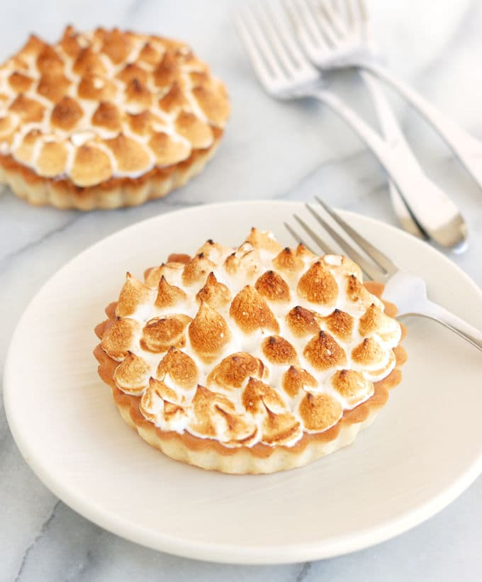 pink grapefruit meringue tart 1