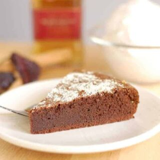 Flourless Mexican Hot Chocolate Cake #SundaySupper