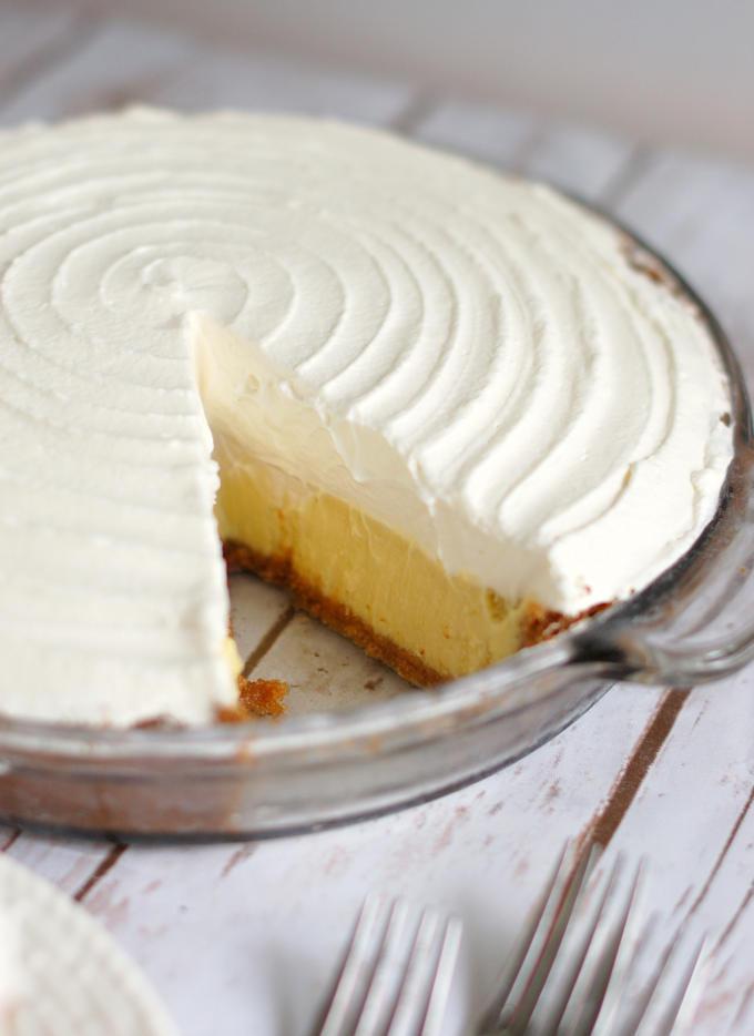 a sliced margarita pie