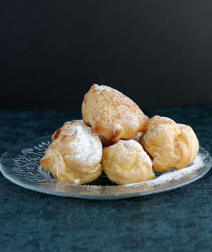 a plaste of Cream Puffs