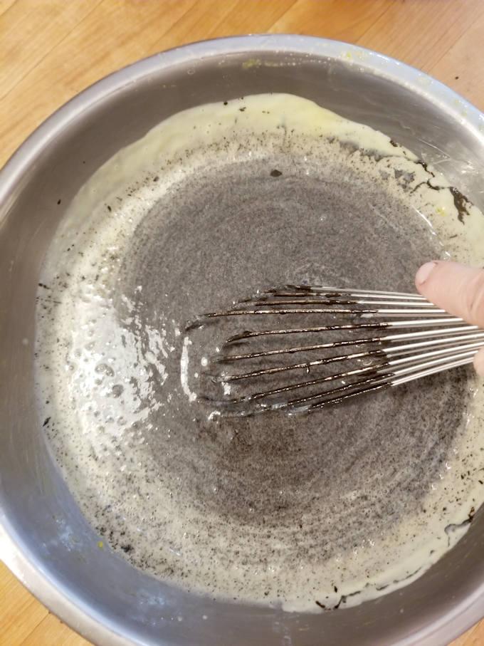 making black sesame ice cream