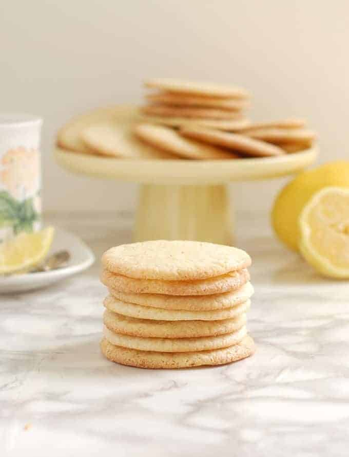 a stack of lemon thin cookies