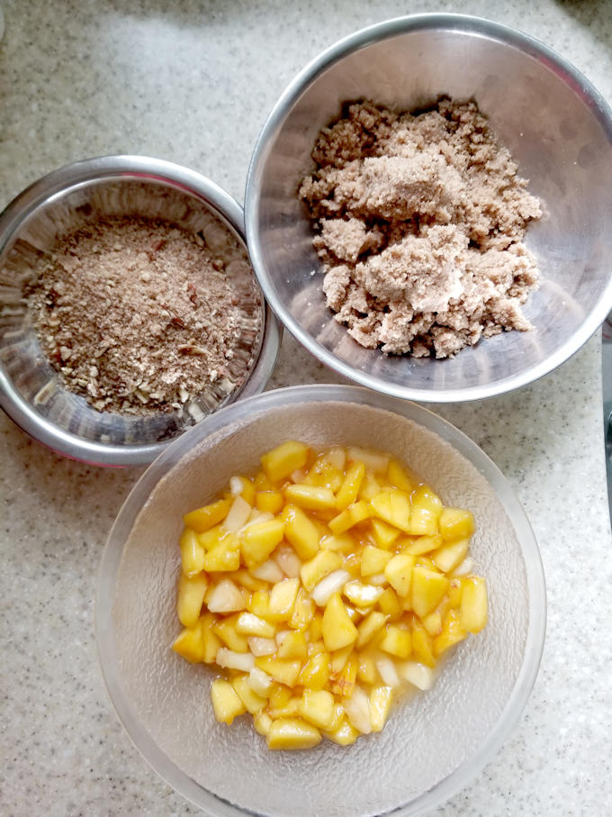 ready to assemble peach & pecan streusel coffee cake