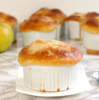individual apple bourbon pot pie