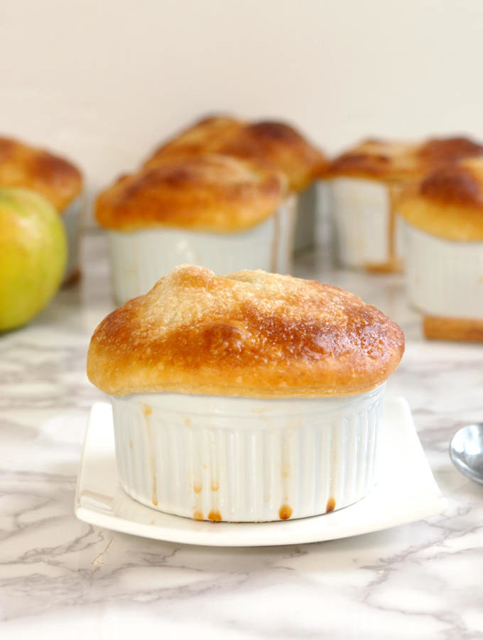 individual apple bourbon pot pie