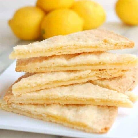 Shortbread Filled with Lemon Curd