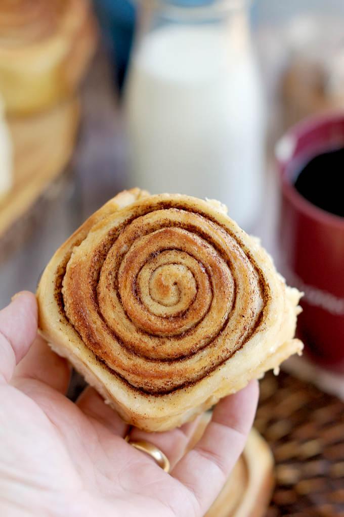 sourdough cinnamon buns